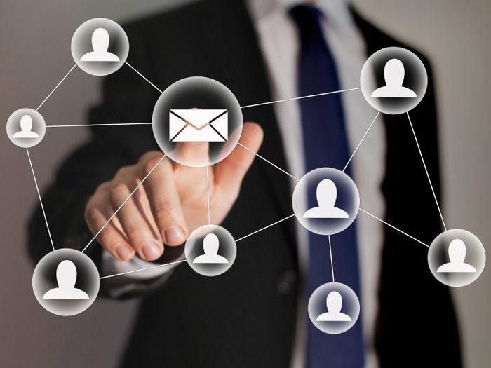 Ne pas relire vos messages et courriels avant de les envoyer
