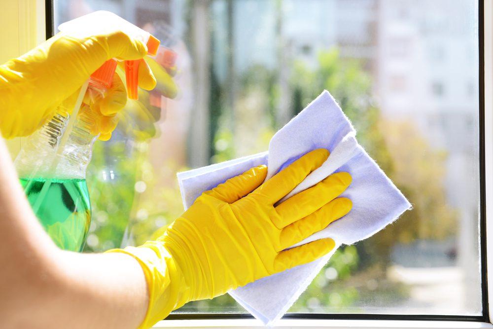 Nettoyant vitres.