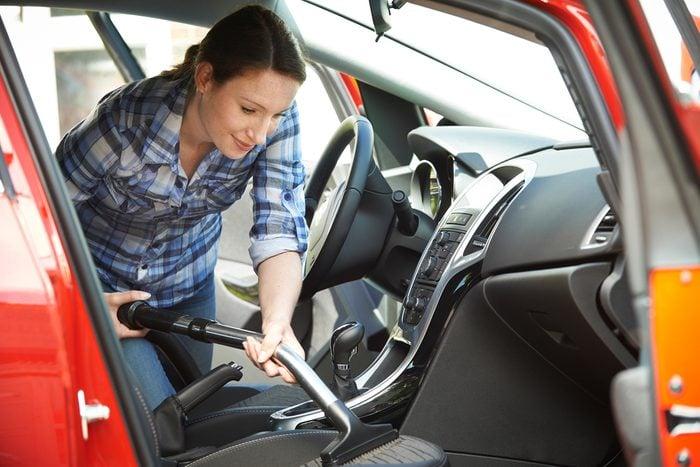 Se préparer au nettoyage de l'intérieur de sa voiture