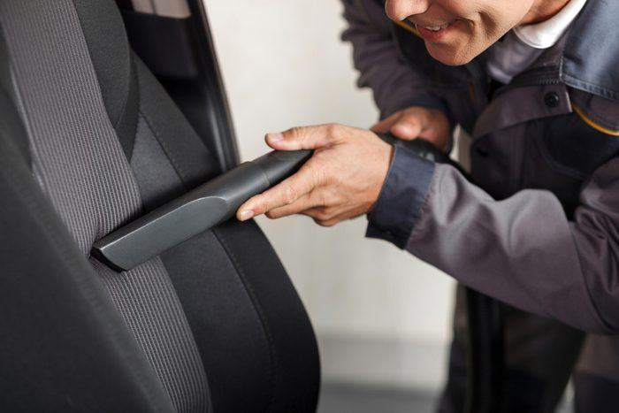 Restaurer les tapis et les tissus : 1re étape