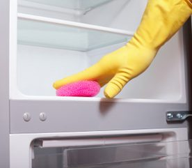 8. Nettoyez les serpentins de votre frigo