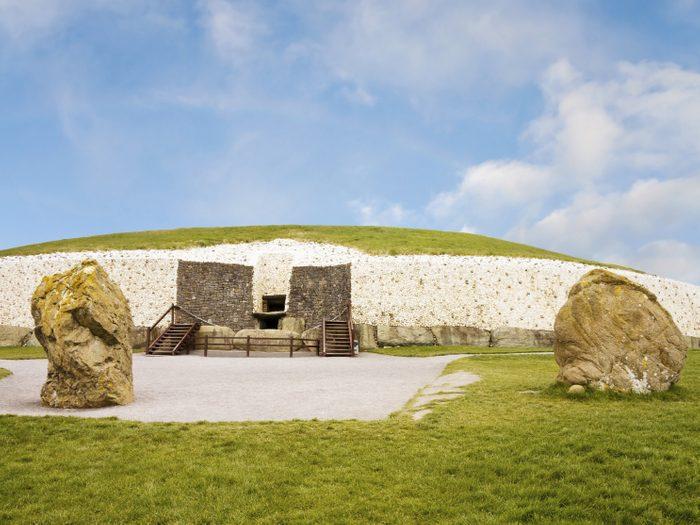 5. Newgrange, Irlande