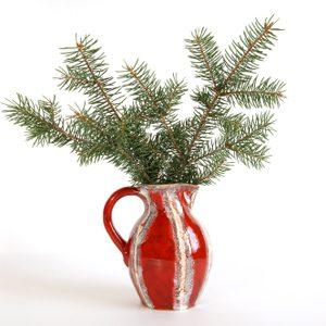 7. Peignez vos vieux vases aux couleurs de Noël