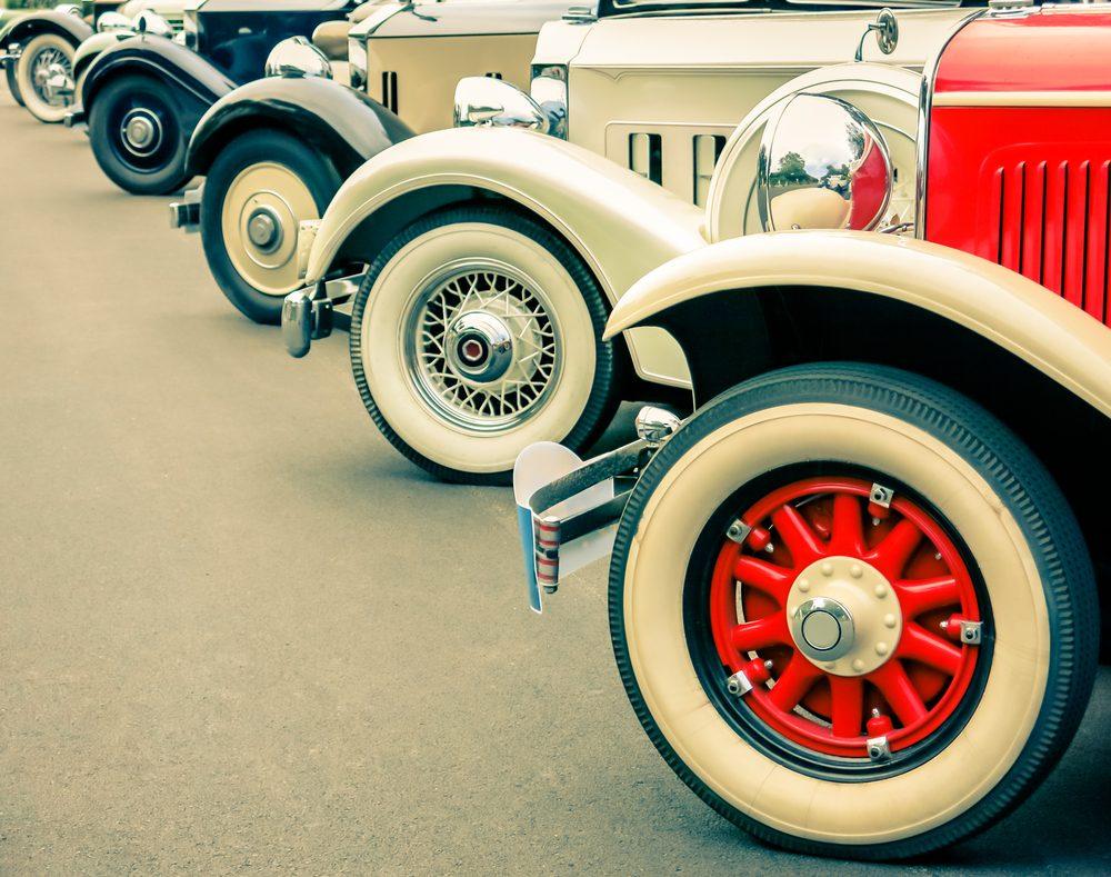 Organiser un défilé de voitures de collections : contactez les clubs automobiles locaux