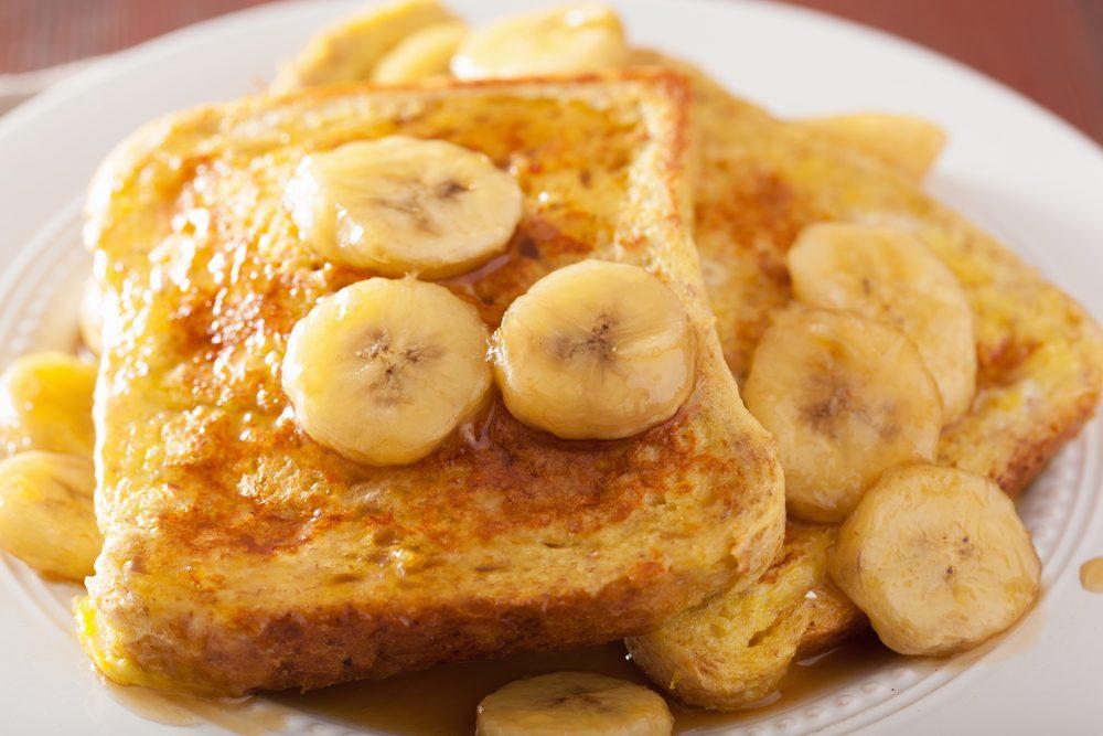 Une alternative goûteuse pour un déjeuner sain: du pain doré maison.