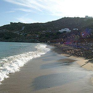 6. La plage Paradise sur l'île de Mykonos en Grèce