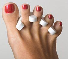 Se vernir le ongles de pieds
