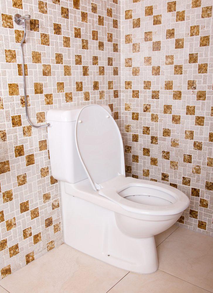 30 astuces pour r am nager la salle de bains petit prix - Que faire avec des vieilles tuiles ...