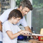 4 bonnes raisons d'apprendre aux enfants à cuisiner