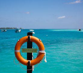 4. Apprenez la signification des fanions d'avertissement de la plage.