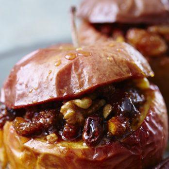 Pommes cuites garnies de raisins de Corinthe