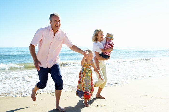 Comment protéger sa peau du soleil de façon sécuritaire