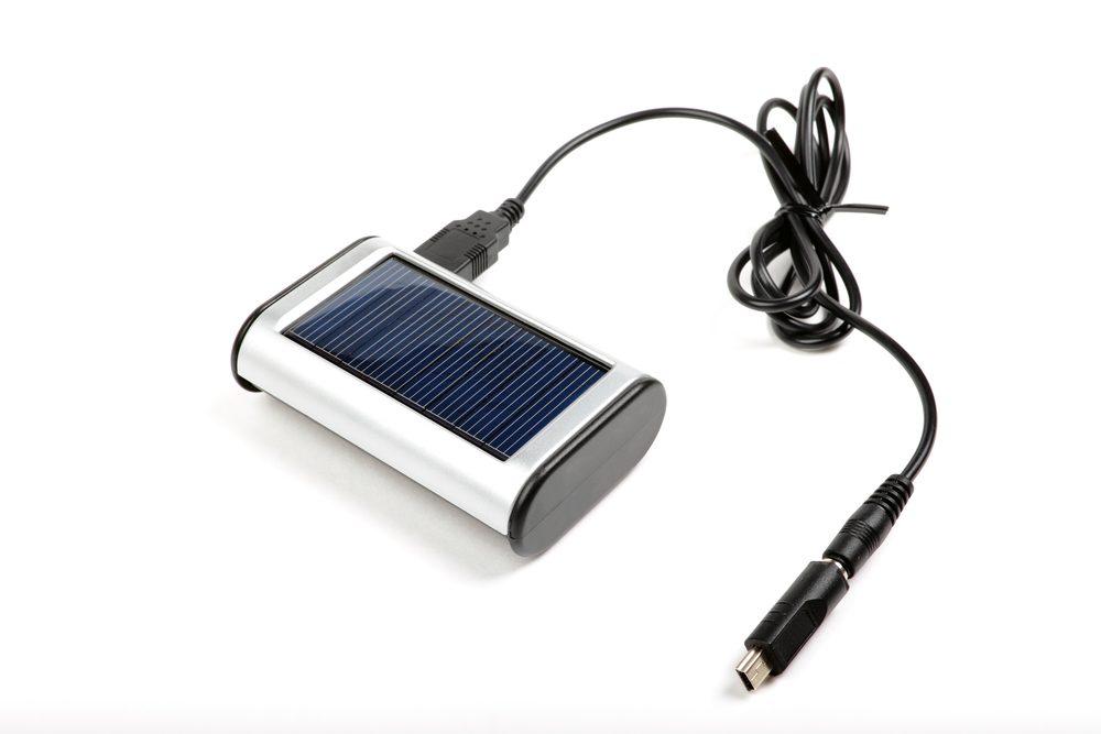 5. Pour être écologique, utilisez un chargeur solaire
