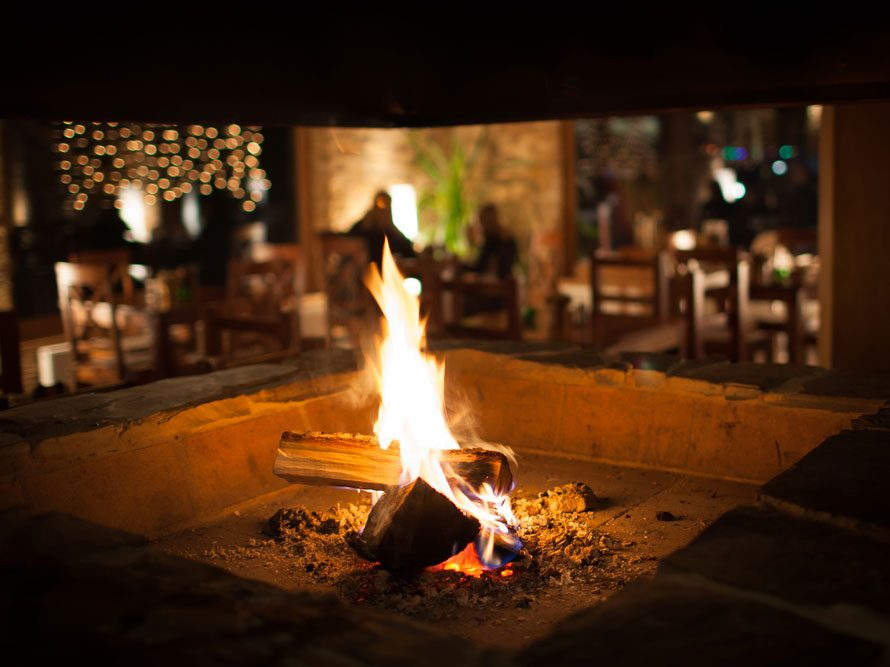 Les feux de cheminée peuvent être polluants.