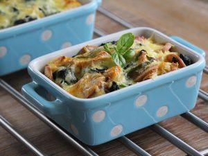 Recette déjeuner: un gratin aux oeufs et légumes mijotés