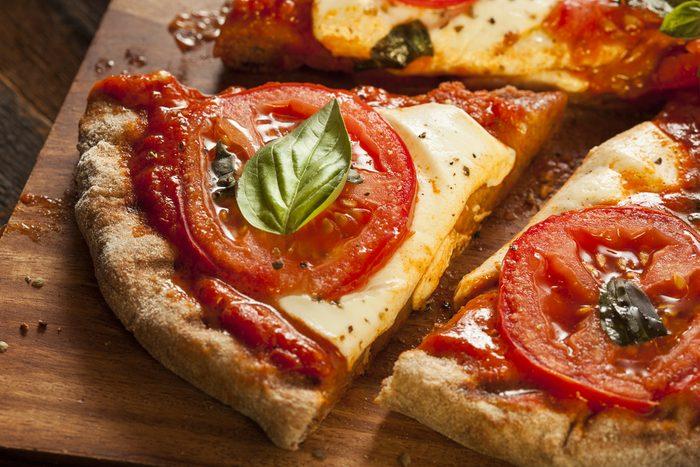 Une pizza sur pain pita santé