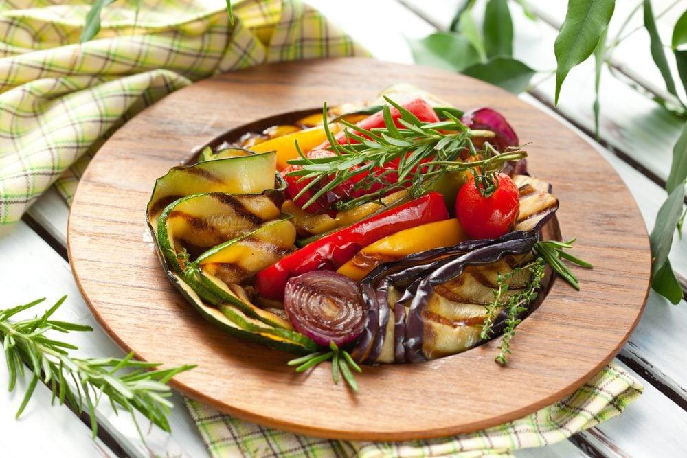 Recette facile pour une salade de légumes grillés