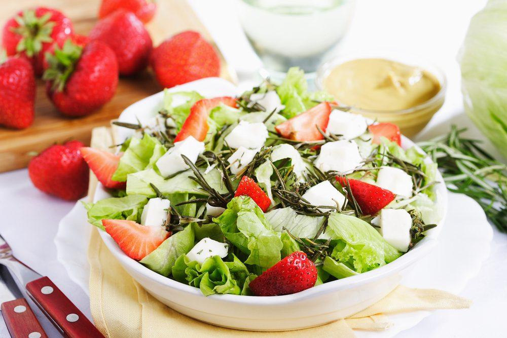 Recette de salade de romaine et de fraises