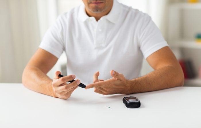 Le sel d'epsom aide à régulariser le taux de sucre dans le sang.