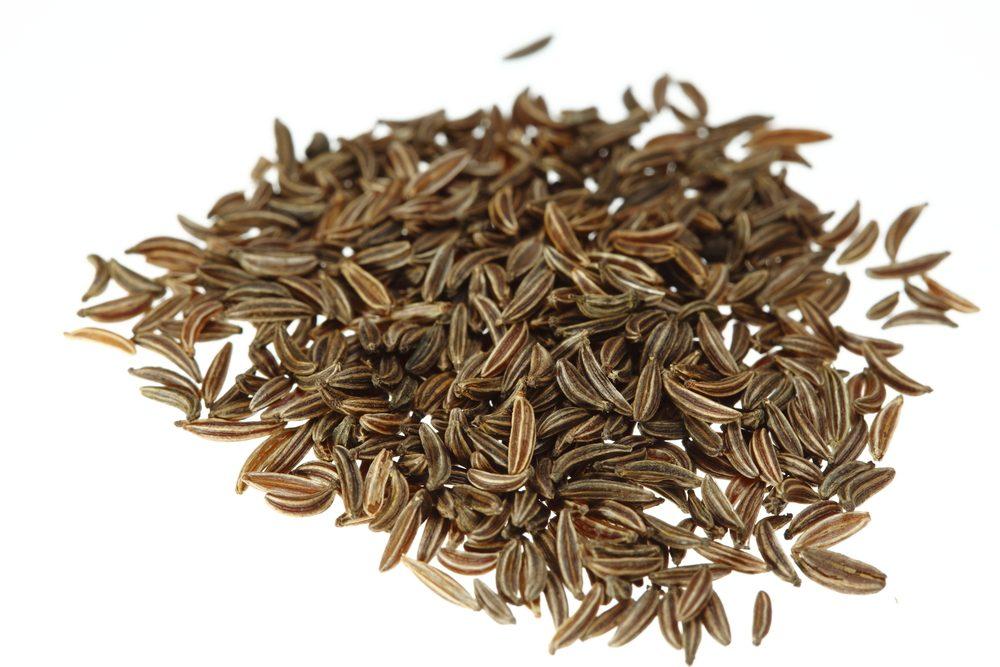 Les graines de carvi sont un bon remède naturel pour soulager les gaz et l'indigestion