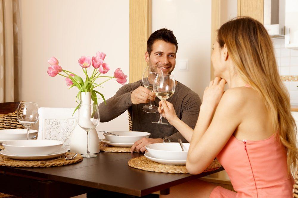 Fermer la télé pendant les repas pour prendre le temps de relaxer et de profiter de l'instant présent