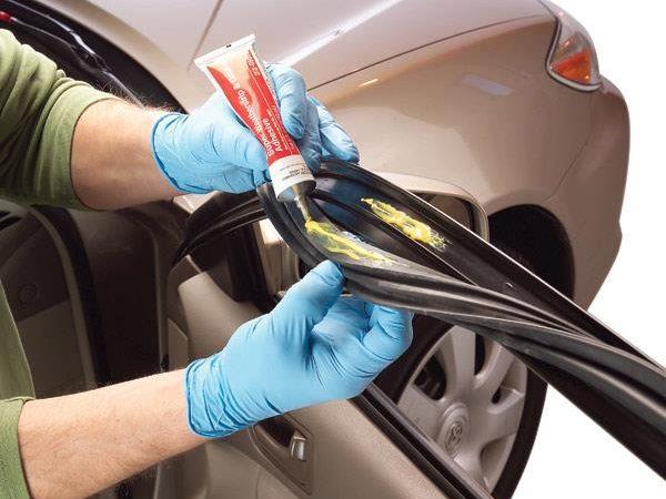 Réparer et entretenir le joint d'étanchéité d'une portière de voiture