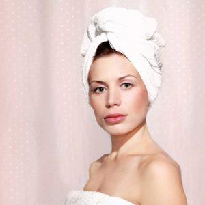 2. Nettoyez vos rideaux de douche.