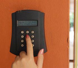 2. Cachez le clavier du système d'alarme