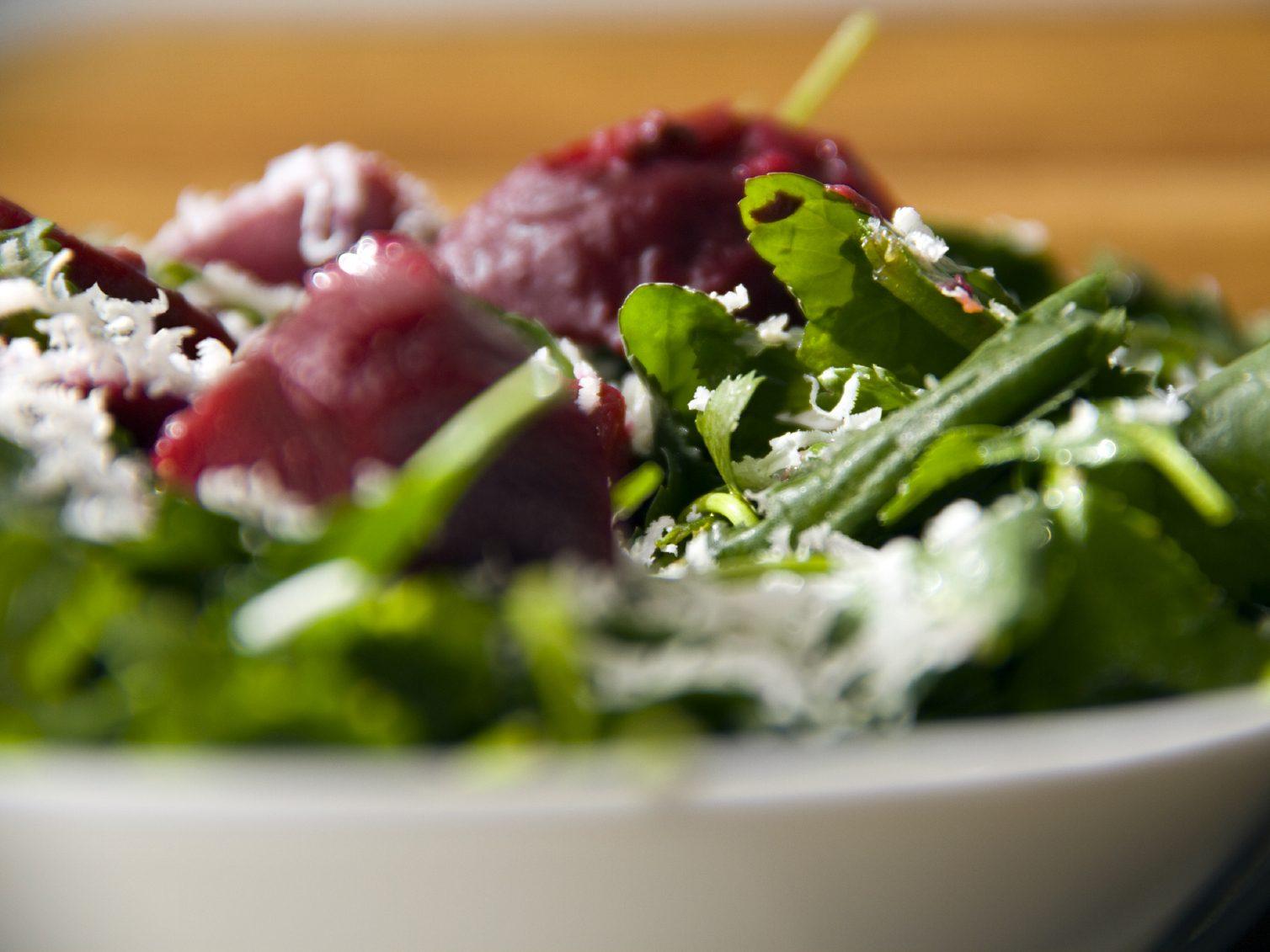Une salade betteraves et chèvre pour cuisiner le quinoa