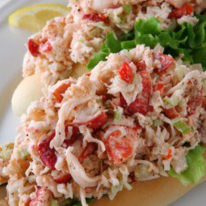 Petits pains à la salade de homard