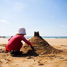 1. Jouer dans le sable