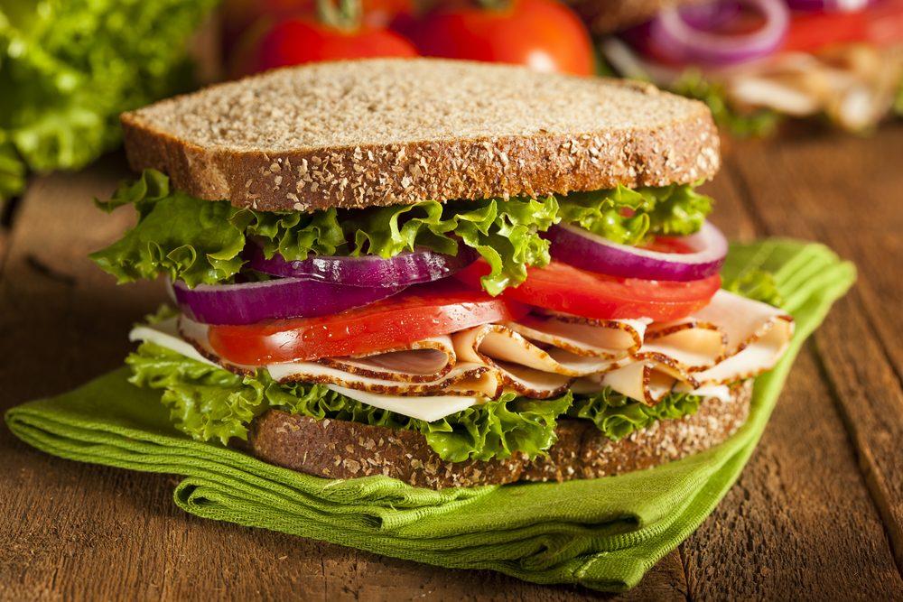 Sandwich pain blé complet
