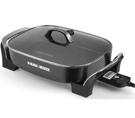 3. Black & Decker :poêle à frire électrique - 69,99 $