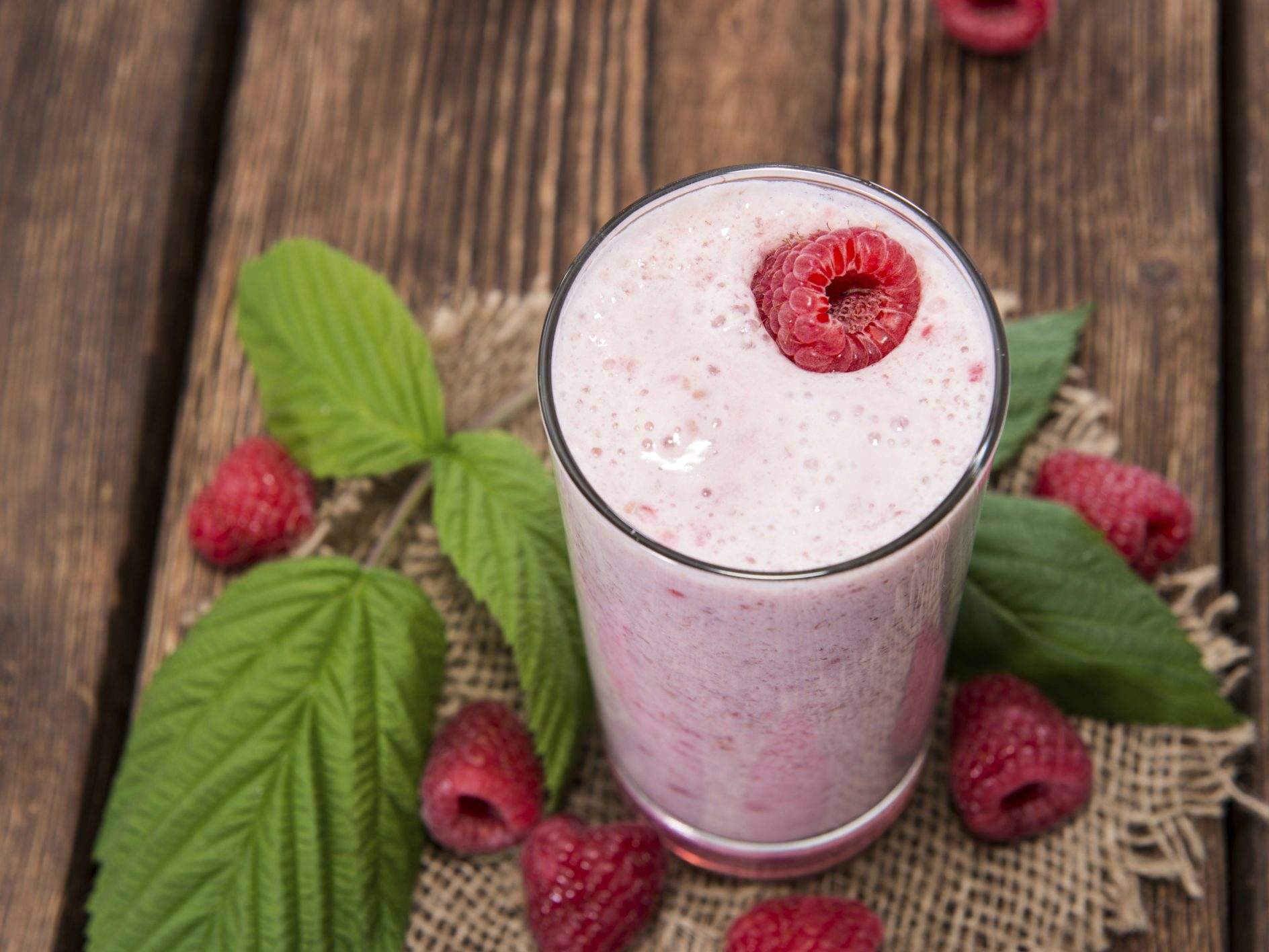 Smoothie framboises et mangue