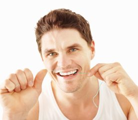 6.Résolution santé: passez la soie dentaire