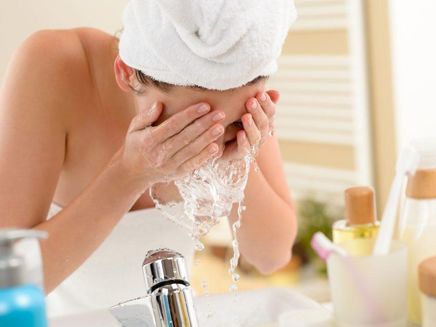À votre avis, le lavage du visage, c'est ...