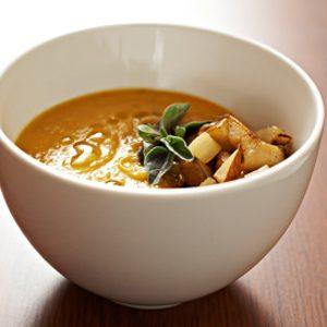 2. Soupe à la citrouille, aux pommes et à la cannelle