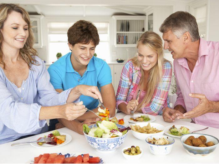 1. Organisez des repas de famille
