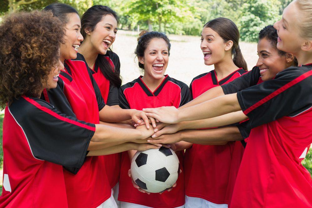 Gestion du stress: faire du sport avec des amis ou un groupe pour mieux se détendre et se calmer.
