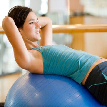 6. Exercices avec ballon stabilisateur (ou ballon suisse)