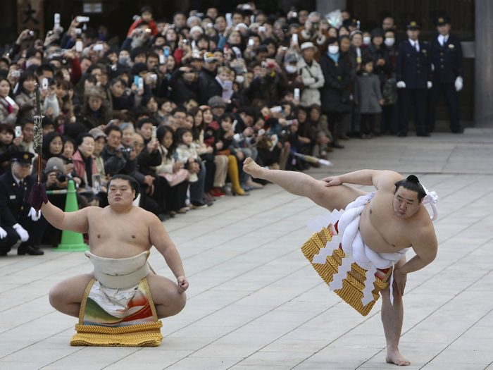 Assister à un match de sumo