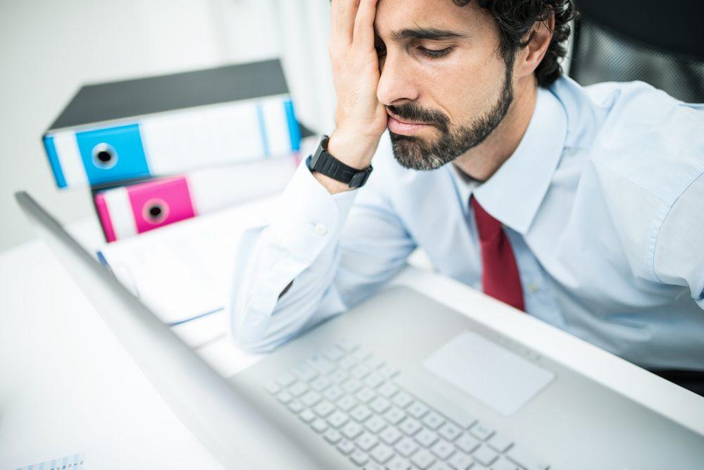 Les problèmes au travail parmi les signes de la dépression.