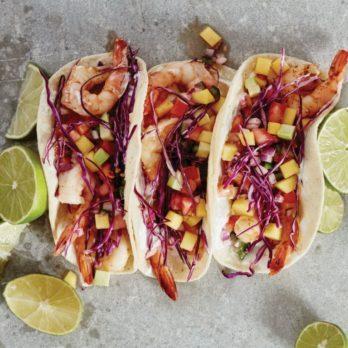 Meilleure recette de tacos aux crevettes épicées et mangue