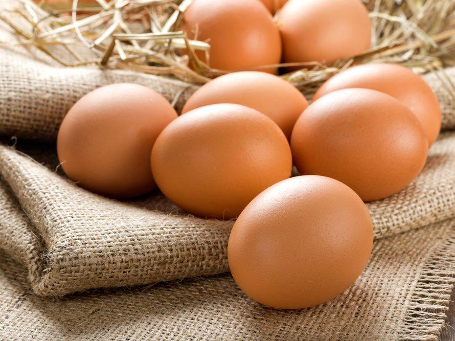 Les œufs: pour des cheveux lustrés