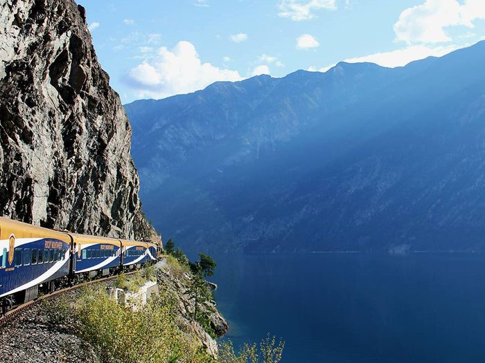 5. Le Rocky Mountaineer
