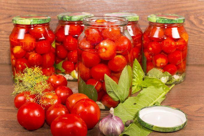 Achetez des tomates en conserve plutôt que des tomates fraîches