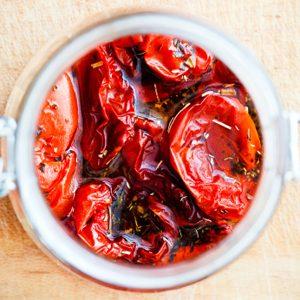 6. Tomates séchées aux herbes dans l'huile