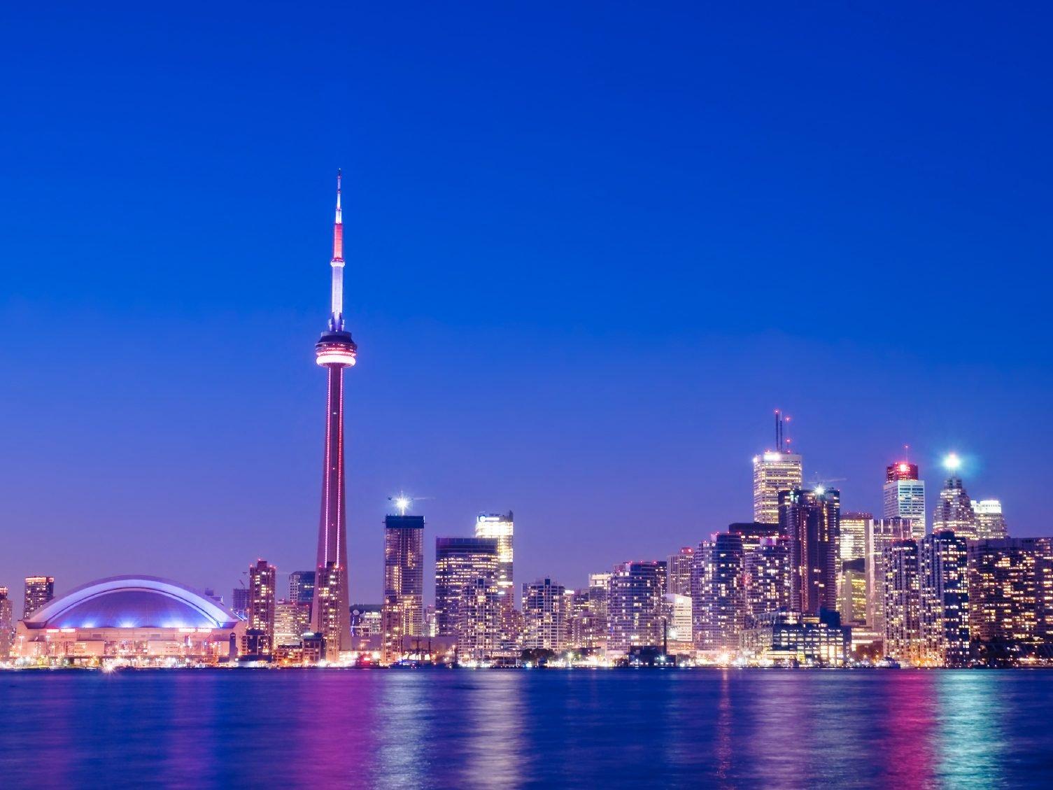 3. La Tour CN, Toronto