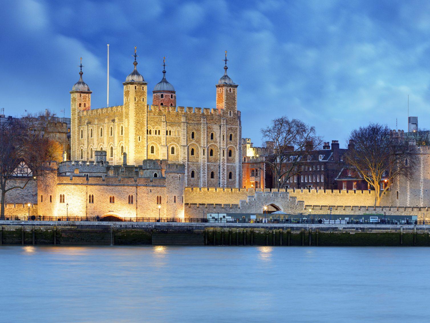 6. La Tour de Londres, Angleterre