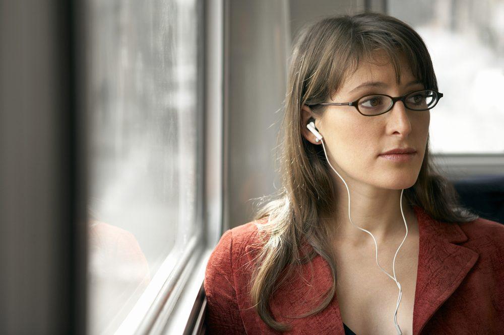 Gestion du stress: profitez du voyage en transport en commun pour relaxer et vous détendre.